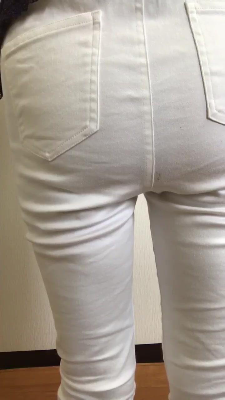 Japanese girl poops her pants - ScatFap.com - scat porn search ...